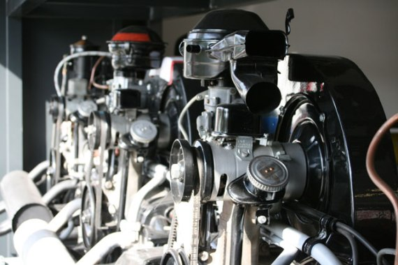 130 25 en 30 pk engines...